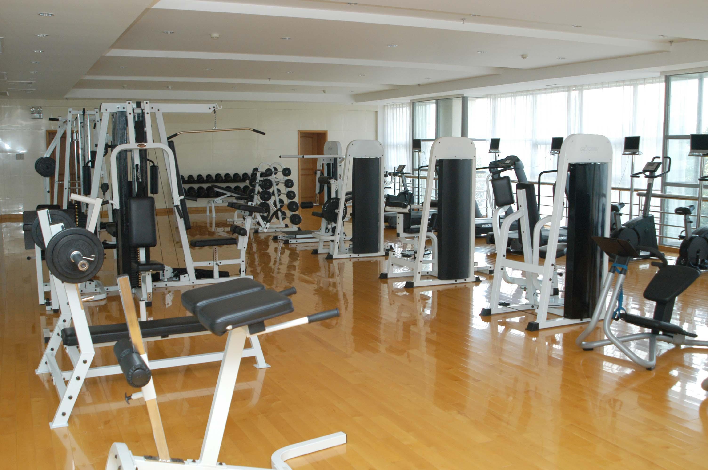 俱乐部健身房.JPG