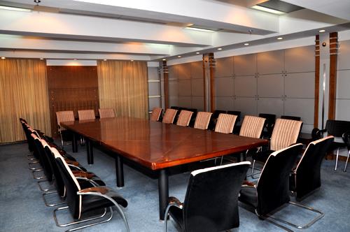 东楼小型会议室(15个)设施完善、风格迥异,能容纳30-50人左右的会议。